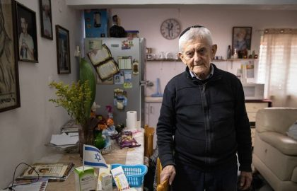 "Haim Margolis ""eats to survive"" – Holocaust survivor left alone after his wife passed"