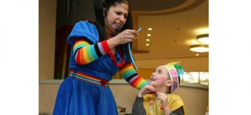 """HUNDREDS OF CHILDREN HOSPITALIZED AROUND THE COUNTRY ENJOYED A """"HAPPY PURIM"""""""